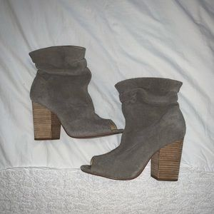 Chinese Laundry Suede Heeled Boots | Gray | Size 8